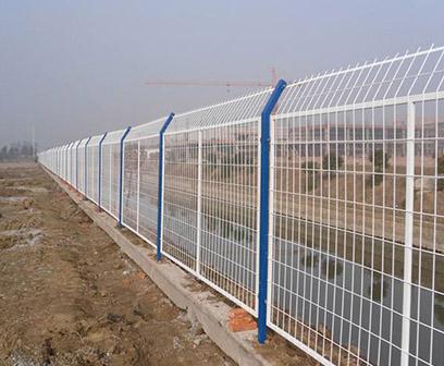 山东框架护栏网价格