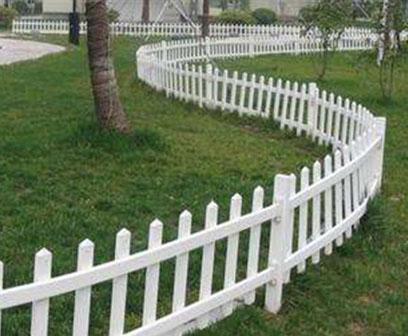 pvc草坪护栏价格