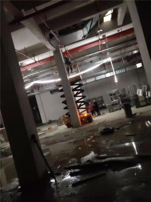 贵州轮式升降机