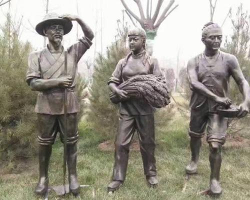 铸铜雕塑�? width=