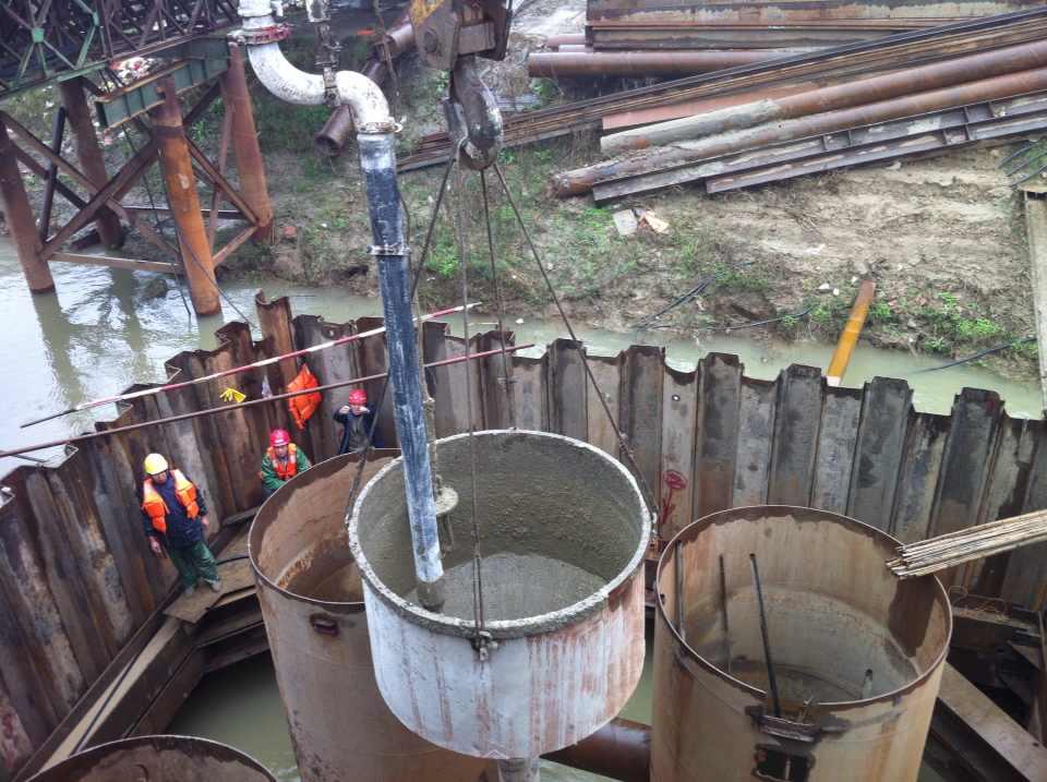 围堰水下混凝土封底