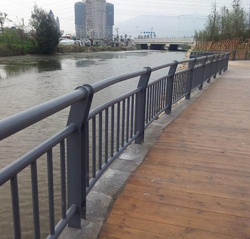 贵州桥梁护栏安装