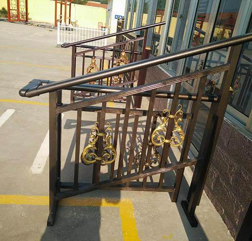 楼梯扶手安装