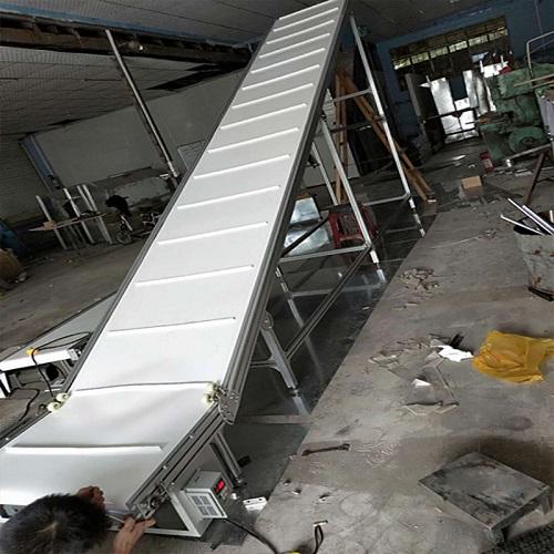 爬坡食品输送机
