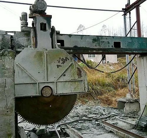 桥式锯石机
