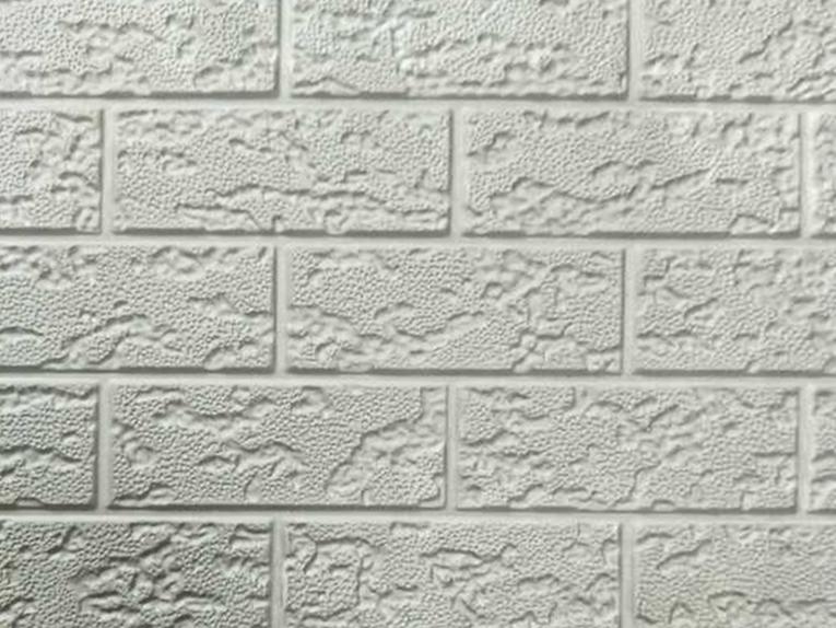 浅色粗砖纹金属保温雕花板