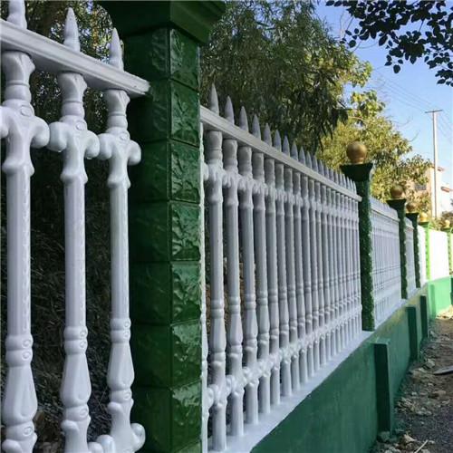 四川铝合金仿木栏杆