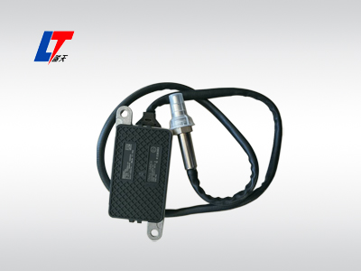 康明斯东风欧曼SCR催化消声器尾气后处理氮氧化物(NXO)传感器