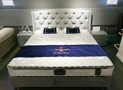 現代簡約床