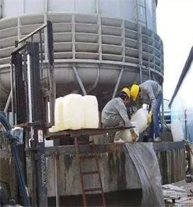 清洗冷却塔