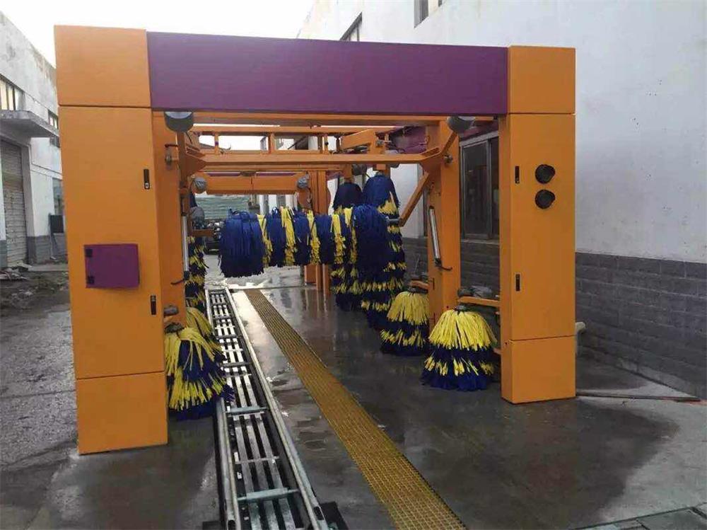 连续隧道式洗车机