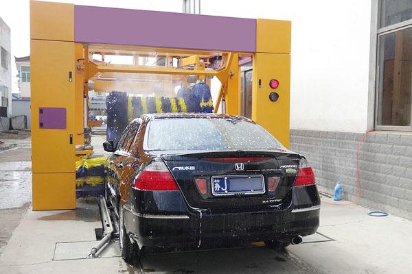 自动隧道式洗车机