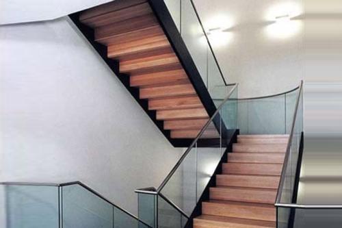 昆明实木楼梯