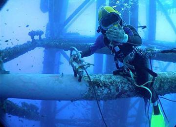 潜水安装水下工程