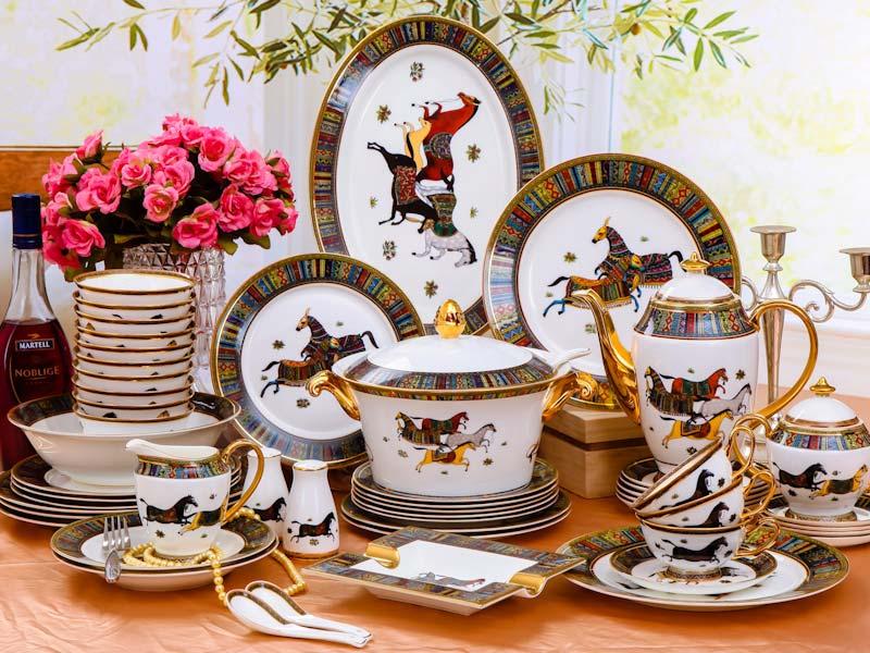 景德鎮釉中彩陶瓷餐具