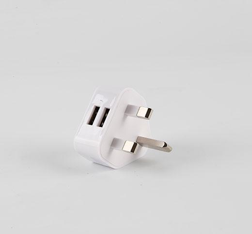 三角英规双USB充电器