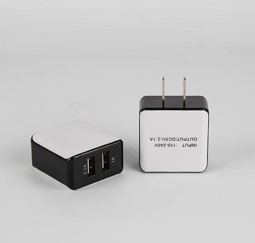 豆腐块足A充电头双USB充电器