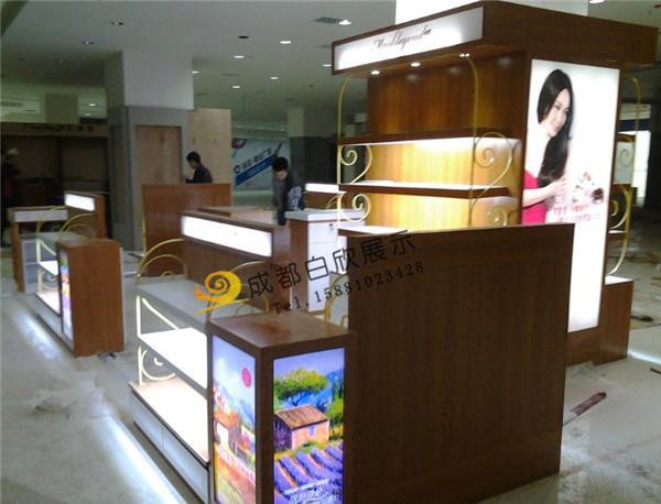 化妆品展柜设计供应商