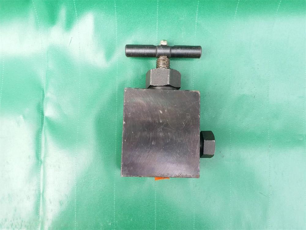 直角式截止阀70MPa(M20X1.5)