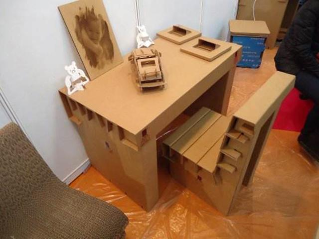 创意座椅纸箱展示