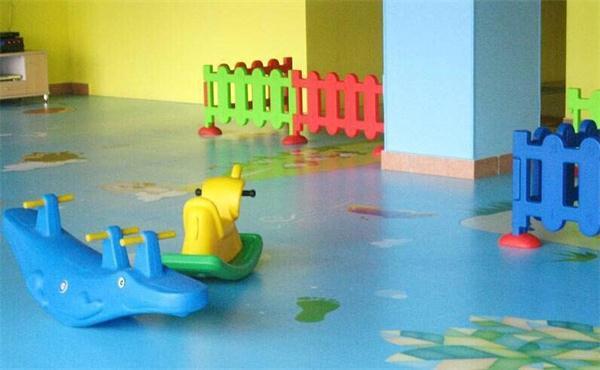 幼儿园塑胶地板批发