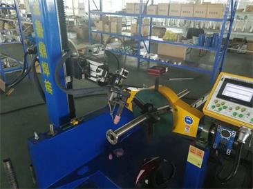 自動化焊接設備