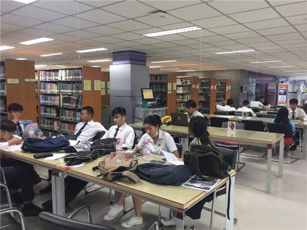 东南亚留学中介