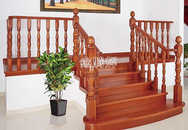 天山实木楼梯
