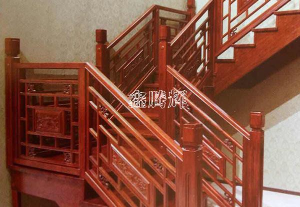 沈阳实木楼梯