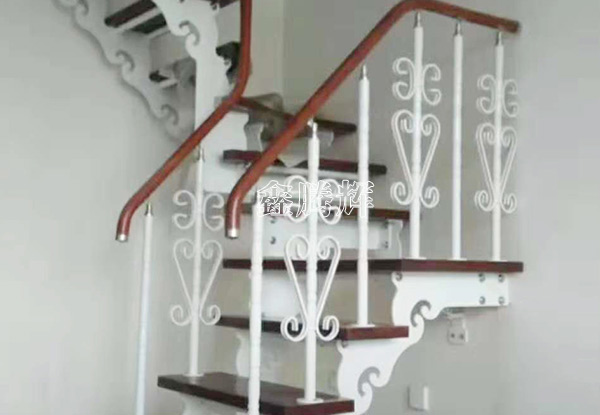沈阳钢木楼梯
