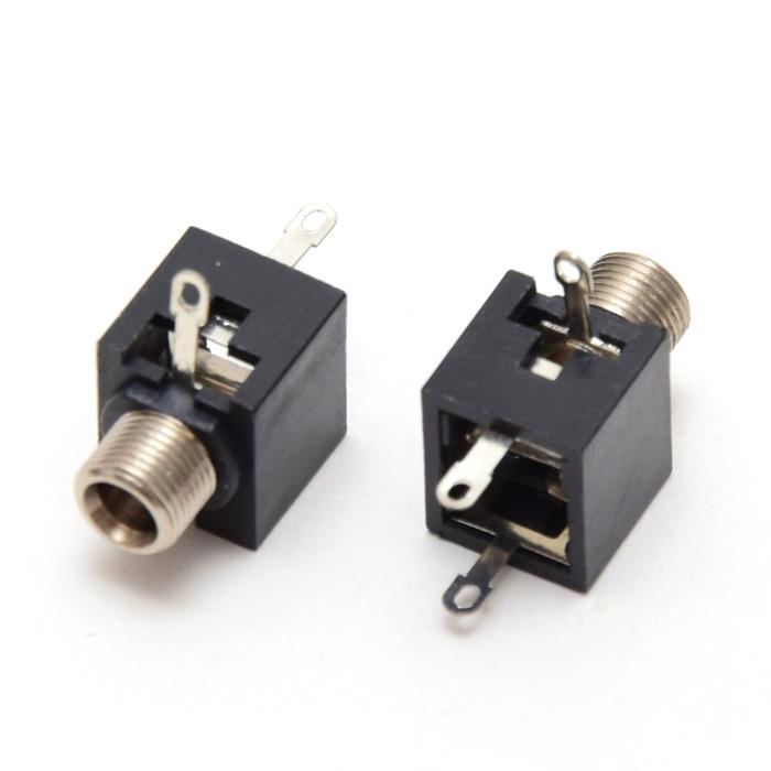 玩具机器人耳机插座