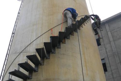 烟囱安装旋转梯平台