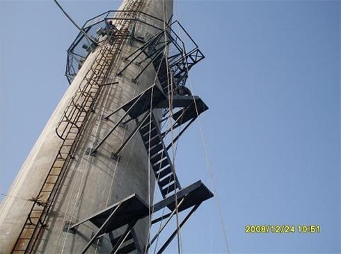烟囱安装爬梯施工