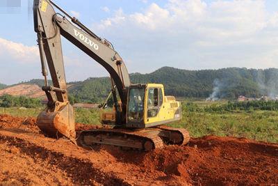 从业14载走访吉水兰老板的沃尔沃EC210B挖掘机