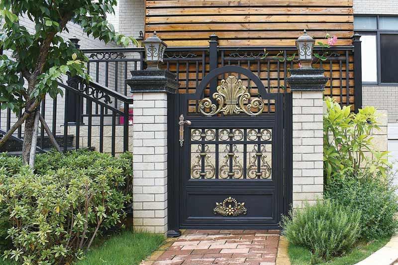 豪贵庭院小门
