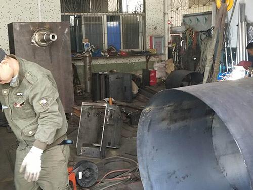 方通机架焊接