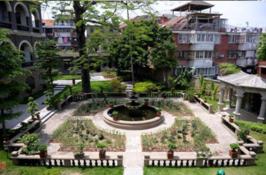 别墅庭院喷泉