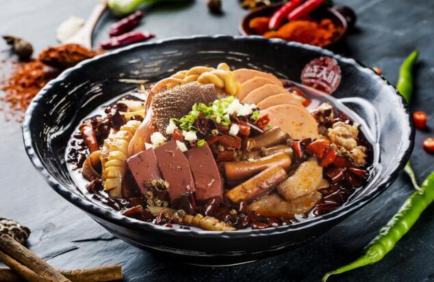 传统巴渝菜:盛天毛血旺