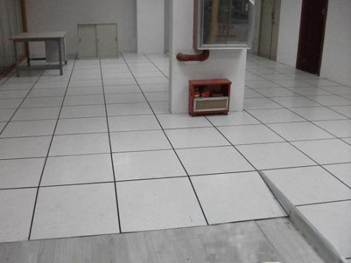 防静电地板如何清洗