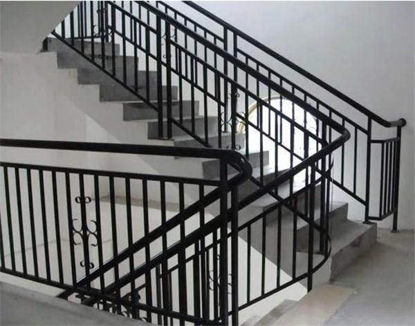 武汉锌钢楼梯护栏