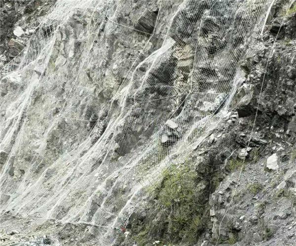 山体防护网安装