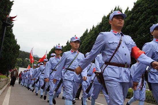 苏维红红军服饰