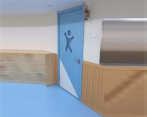 幼儿园洗手间门