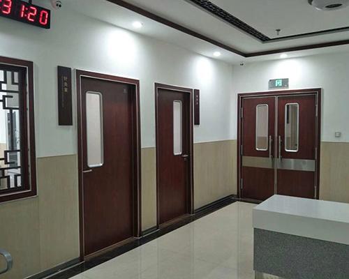 枫木医院专用门