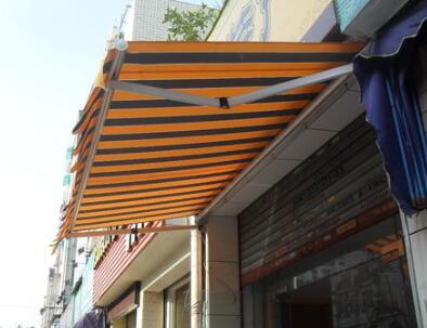 伸縮電動遮陽棚