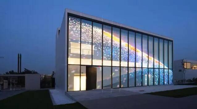 重庆透明LED显示屏好多钱