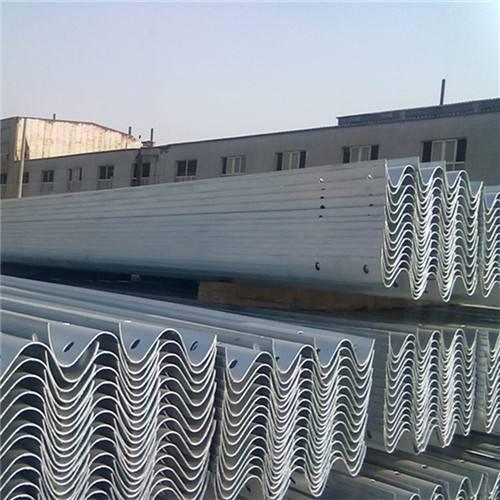 云南波形护栏板厂