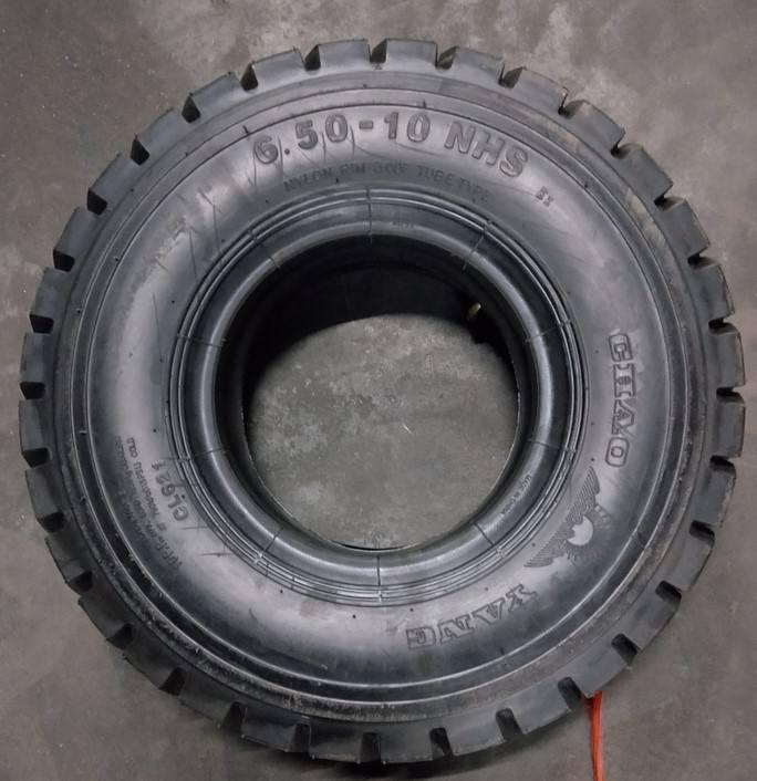 重庆充气叉车轮胎