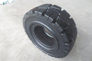 实心轮胎安装