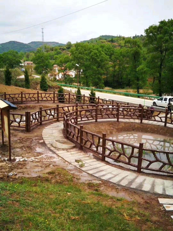 风景区仿木围栏